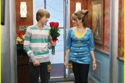 Cody \u0026 Bailey Kissing \u2013 The Suite Life On Deck